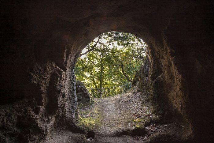 vitozza citta perduta etruschi grotte